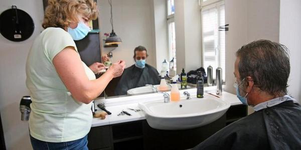 Friseurtermin für Obdachlosen: Ist StefanL. auf dem Weg in ein normales Leben?