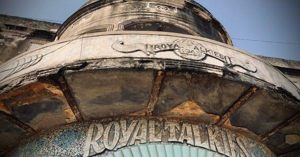 32,000km, 655 screens: Documenting India's endangered cinemas | Al Jazeera