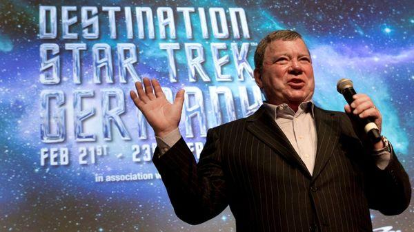 """""""Captain Kirk"""" wird 90: Schauspieler William Shatner kämpft jetzt gegen Twitter-Trolle"""