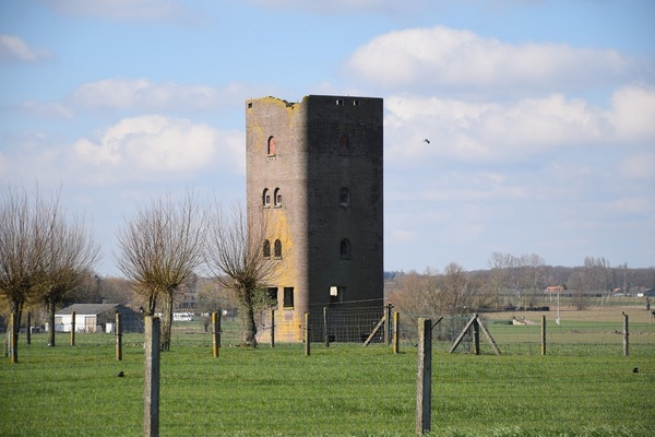 Poperinge veut rendre accessible la tour allemande de la Seconde Guerre mondiale- Poperinge wil Duitse WO 2-toren toegankelijk maken