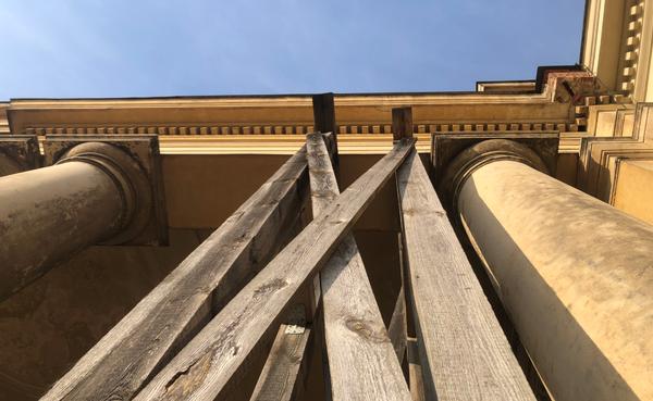 Wo in Potsdam stützt das? Foto: Peter Degener
