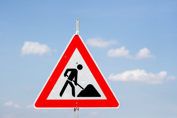 Baustellenschild (Foto: Jan Woitas zb/dpa)