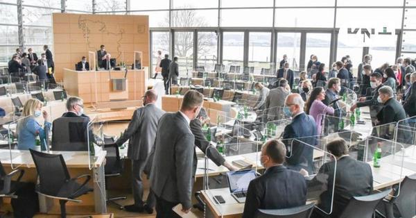So reagieren die Parteien auf Merkels Rückzieher