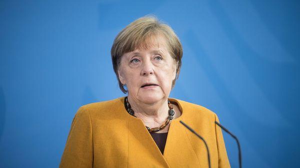 """""""Ich bitte alle Bürgerinnen und Bürger um Verzeihung"""": Merkel begründet das Aus der Osterruhe"""