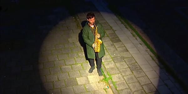 Saxofonist Ben van Gelder (bron: NTR)