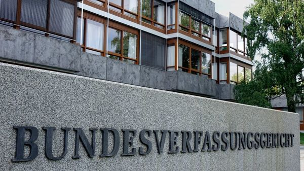 Wegen Verfassungsbeschwerde: Karlsruhe stoppt Gesetz zum Corona-Hilfsfonds