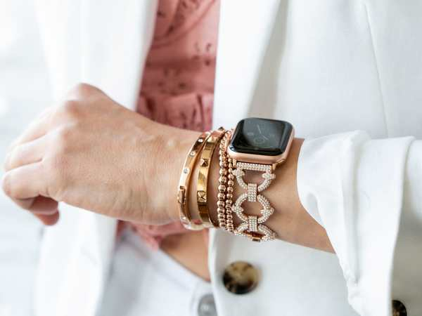 Last chance! Win a crystal pavé Apple Watch link band from Goldenerre [Cult of Mac giveaway]