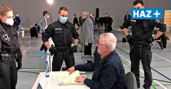 Maske verweigert – Polizei holt Ratsherren aus Sitzung in Seelze