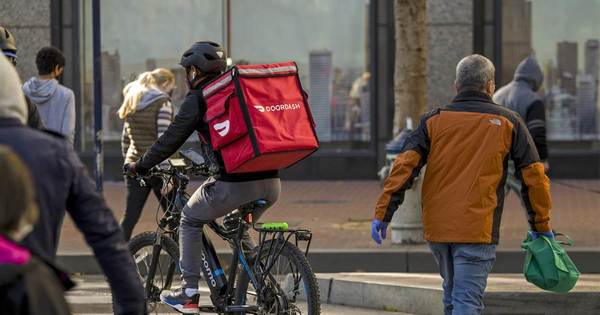 DoorDash pushes back against fee delivery commissions with new charges