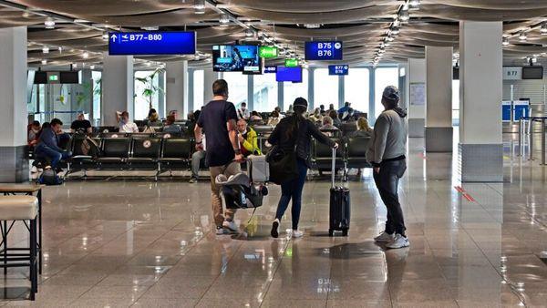 Testpflicht bei Flug-Einreisen gilt doch erst ab Dienstagfrüh