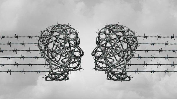 Studie: Netzwerk-Durchsetzungsgesetz bringt wenig und führt zu Overblocking | heise online