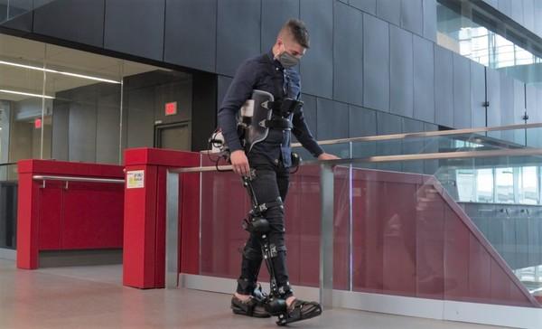 Engineers combine AI and wearable cameras in self-walking robotic exoskeletons | Waterloo News | University of Waterloo