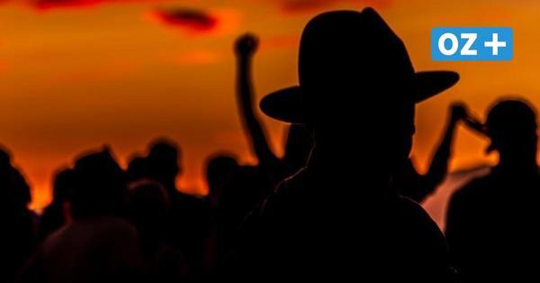 Neubrandenburg: Polizei löst Party mit 150 Jugendlichen auf - Verstöße gegen Corona-Regeln