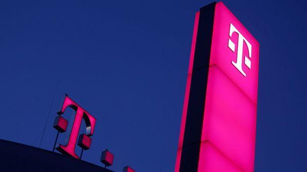 Telekom forciert Glasfaserausbau: Bis 2030 schnelles Internet für alle Haushalte