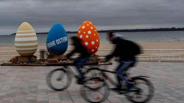 Tagestouristen und Osterurlauber reisen an die Ostsee– trotz des Lockdowns