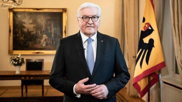 """Steinmeier: """"Raufen wir uns alle zusammen, liebe Landsleute!"""""""