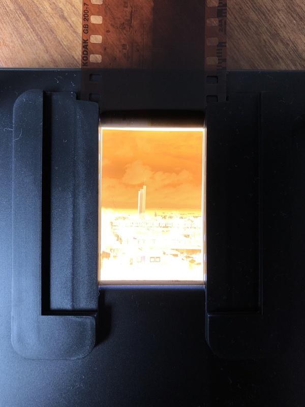 Ein Photo mit der Weitwinkellinse des iPhones. Da ist natürlich viel zu viel Beschnitt fällig.