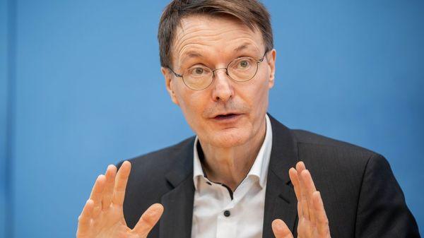Lauterbach unterstützt Spahns Vorstoß zu mehr Freiheiten für Geimpfte