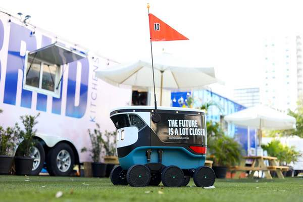 Robot delivery 'drivers' are officially roaming around Downtown Miami