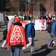 VW-Tarifrunde: IG Metall droht mit weiteren Warnstreiks