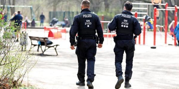 Leipzig verhängt Ausgangssperre, lässt Handel und Museen aber offen