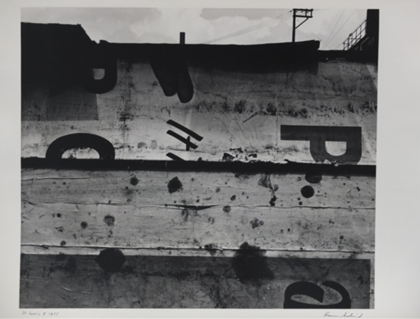 Aaron Siskind, St. Louis 9, 1955