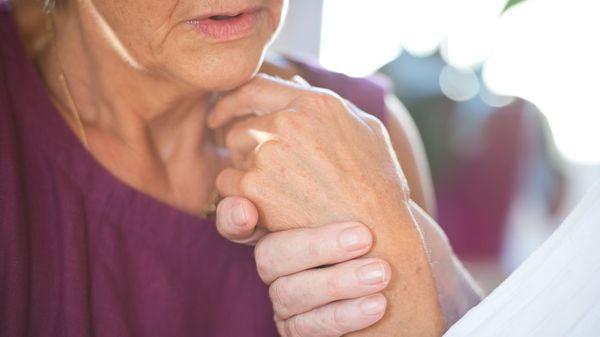 Wenn die Worte fehlen: So gelingt die Kommunikation mit Demenzkranken