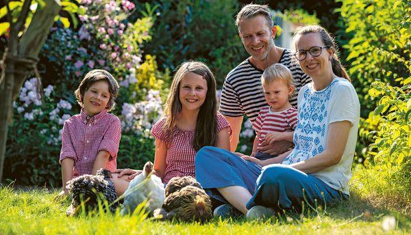 Neues Buch von Bloggerin Tanja Berlin aus Lübeck: So schön ist das Leben mit Hühnern
