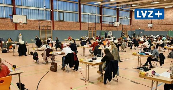 Abi und Sekundarstufe: So geht's mit den Prüfungen in Sachsen weiter