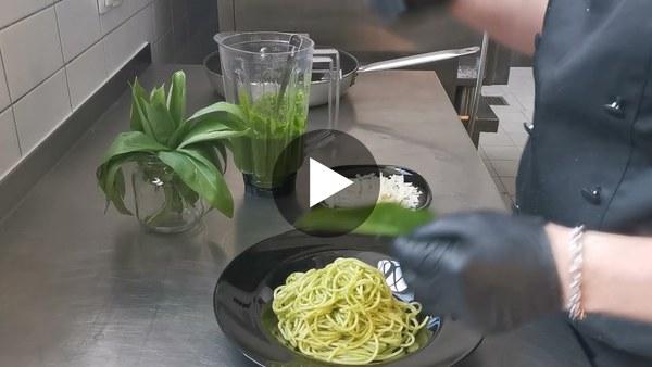 Schnelles Bärlauchpesto mit Spaghetti vom Restaurant Leib und Seele