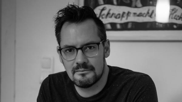 L'écrivain Simon Urban, décoré du prix littéraire de Hambourg où il vit (Tara Wolff)