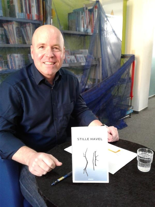 """Tim Pieper bei seiner Lesung """"Stille Havel"""". (Foto: Judith Meisner)"""