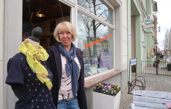Martina Duschka hofft, dass auch die Urlauber bald wieder nach Werder kommen und shoppen gehen. Foto: Luise Fröhlich