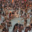 """Größtes religiöses Fest der Welt in Indien ohne Masken und Abstand: """"Keiner hier hat Angst vor Corona"""""""