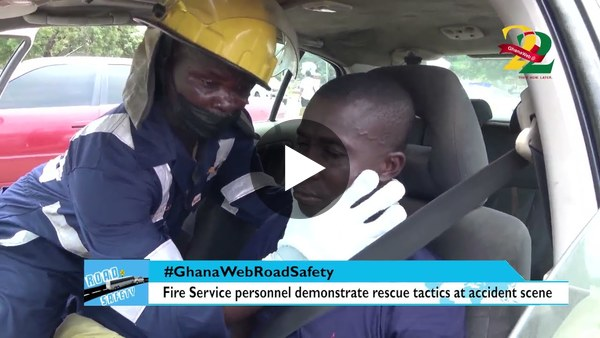 GhanaWeb Road Safety: Fire Service personnel demonstrate rescue tactics at accident scene