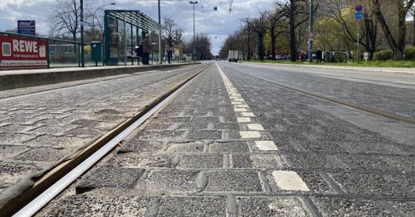 Die Gleise entlang der Zeppelinstraße müssen erneuert werden. Foto: Feliks Todtmann