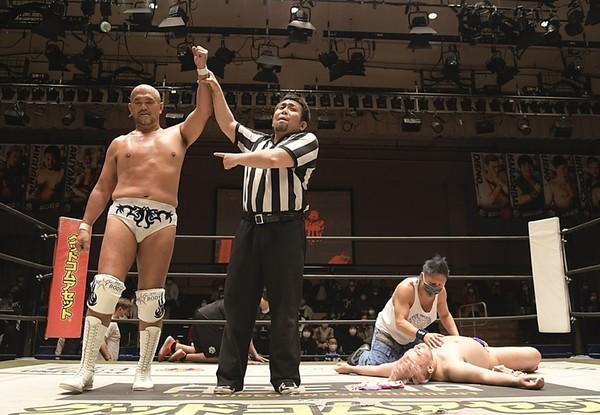 DDT: «April Fool 2021» Jun Akiyama defiende su cinturón