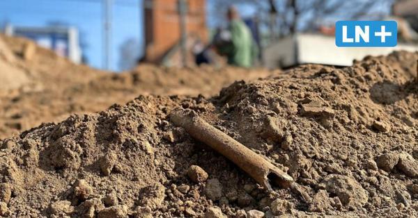 Gruseliger Fund: Menschliche Knochen unter Segebergs Marktplatz