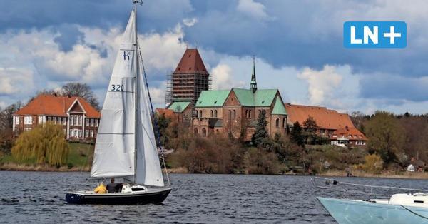 Erste Segler trauen sich auf den Ratzeburger See