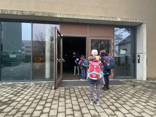 Testpflicht an der Katholischen Marienschule Potsdam. Foto: Feliks Todtmann