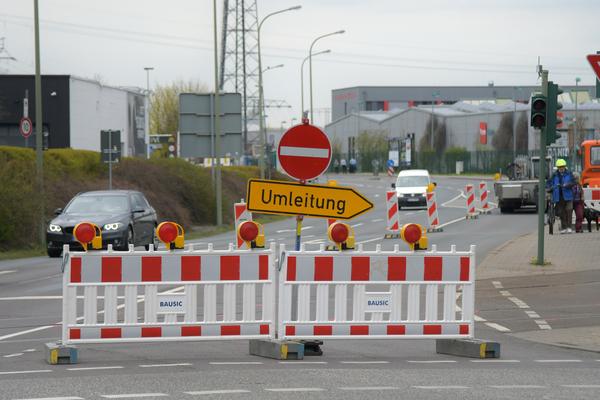 Von der Wetzlarer Straße kann man nicht in die Fritz-Zubeil-Straße abbiegen. Foto: Bernd Gartenschläger