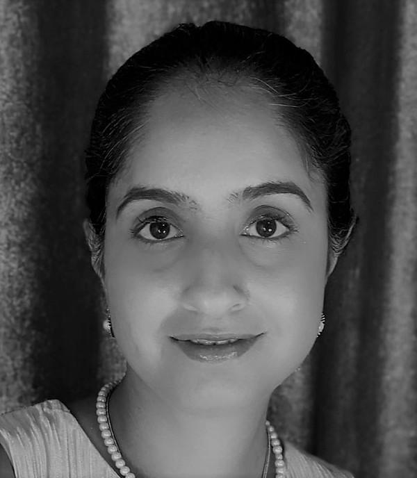Dr Pooja Khosla