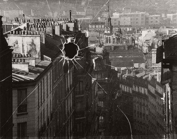 André Kertész, Broken Plate, Paris, 1929.