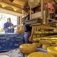 Boerenkaas met de groeten van 'Koos' of 'Jack': Supermarkten verkopen steeds vaker ambachtelijke zuivelproducten uit 'de streek'