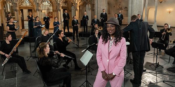 Giovanca met orkest Ars Musica in de St Joriskerk (bron: Mcklin Fotografie / EO)