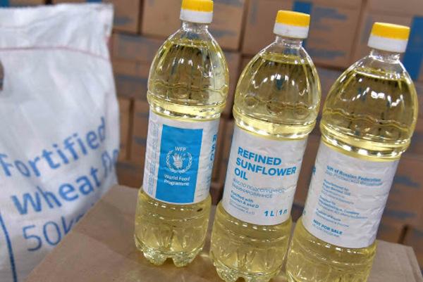 Rusia dona a Cuba unos 253 mil litros de aceite y 430 toneladas de harina de trigo