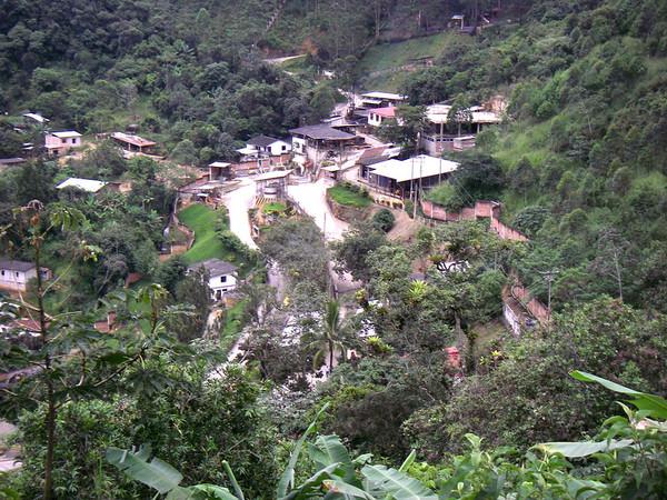 Ecuador, mining: movement against mining gains ground in Ecuador