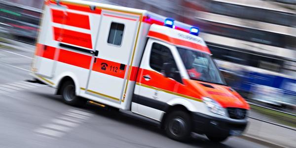 Feuerwehreinsatz: Familie mit Baby bei Brand in Leipziger Mehrfamilienhaus verletzt