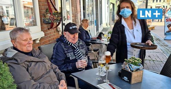 Geschäfte und Außengastronomie geöffnet: Wieder Leben in Bad Segebergs Innenstadt