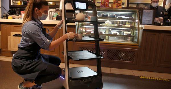 DFW's Ari Korean Barbecue Favorite Tests Meat-Delivering Robot Waiters